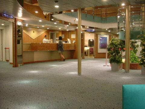 ニューあかしあの船内。いつもは小樽〜舞鶴の運行ですが、この日は小樽〜敦賀でした。