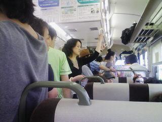 相生から岡山までは案の定満員です。