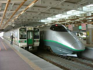 山形新幹線と719系