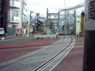 箱根駅伝名物の蒲田の踏切。近く高架化で見納めに…
