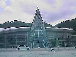 新装開店!!綺麗で驚きの井原鉄道井原駅